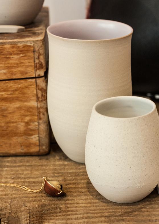 gobelets en grès fins par Geraldine K ceramiste