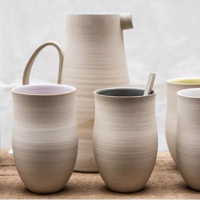 carafe et gobelets par Geraldine K ceramiste